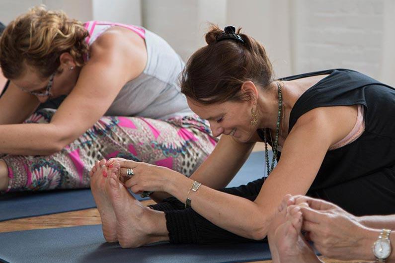 Yoga Flow & Yoga Nidra Workshop, zaterdag 12 juni 2021< Diwali Yoga Studio, Schellingshof 7 Beek-Ubbergen, heerlijk genieten, Dagje weg, Ontspannen.