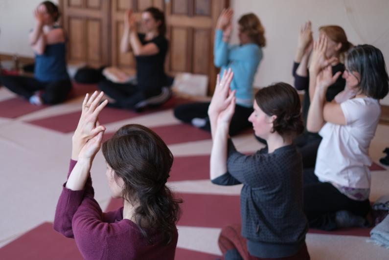 Hatha Yoga, Yin Yoga, yogaworkshop 6 september 2020, Ubbergen, Nijmegen, Happy Summer day, ontspanning, zomerworkshop