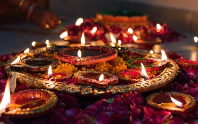 GRATIS Happy Diwali Yoga Middag Workshop LIVE facebook & Instagram 14:00-15:30